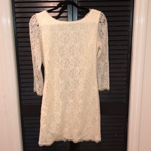 Dresses & Skirts - NWOT lace cream dress